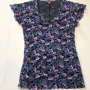 Floral Vince Camuto top